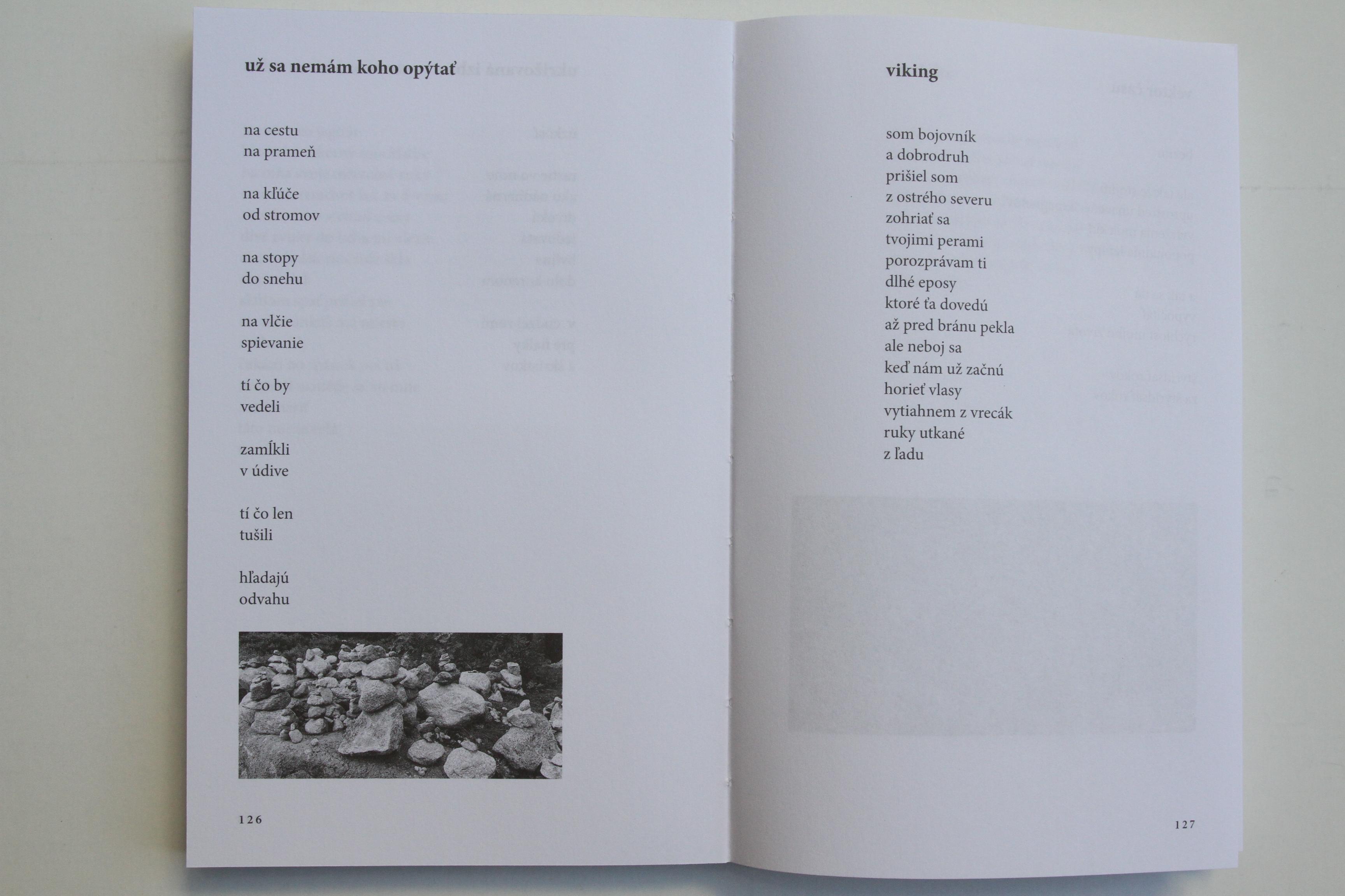 71d2f09b0 Kniha svojím moderným vzhľadom a stále aktuálnou básnickou výpoveďou má  ambície osloviť nielen stálych fanúšikov tohto autora, ale aj ich deti a už  aj ...
